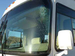 windshield replacement RV, windshield crack RV, RV windshield chip repair, RV windshield replacement